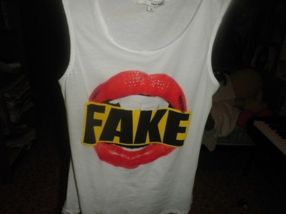 shirt red lips fake