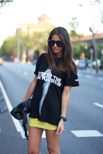 fashion vibe shoes skirt t-shirt bag sunglasses