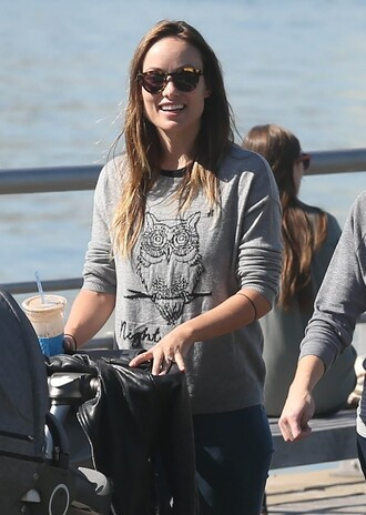 sweater fall outfits sunglasses olivia wilde