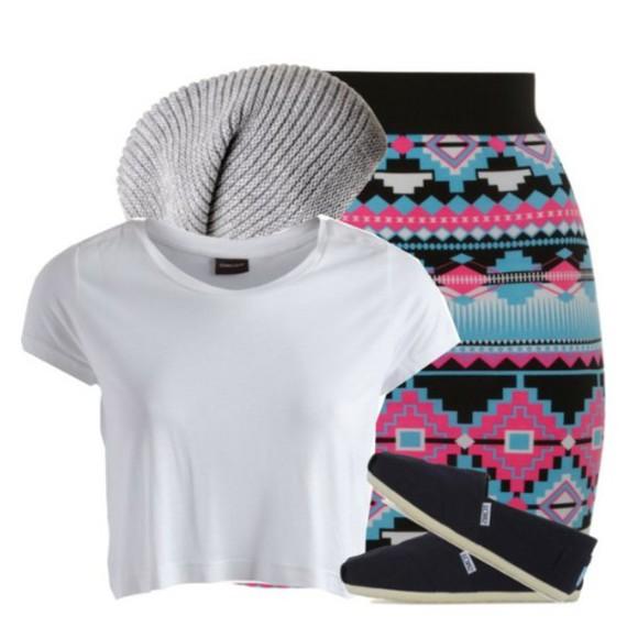 toms aztec print skirt grey beanie white t-shirt