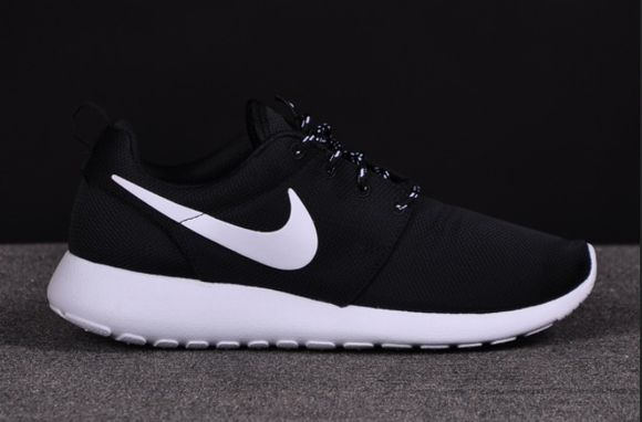 authentics black white nike roshe run nike shoes