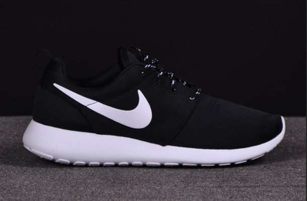 black white nike roshe run nike authentics shorts shoes nike black and white shoes low top sneakers black sneakers roshe runs nike shoes