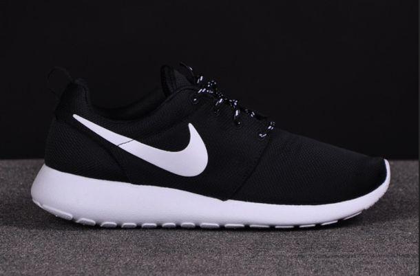black white nike roshe run nike authentics shorts shoes nike black and white shoes low top sneakers black sneakers roshe runs