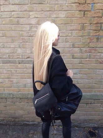 bag black black bag black leather knapsack backpack bookbag cool couture urban streetwear model model fashion grunge dope blonde hair tumblr all black everything fashion jeans leather jacket pretty zip bag zip tumblr clothes platinum hair black leather bag