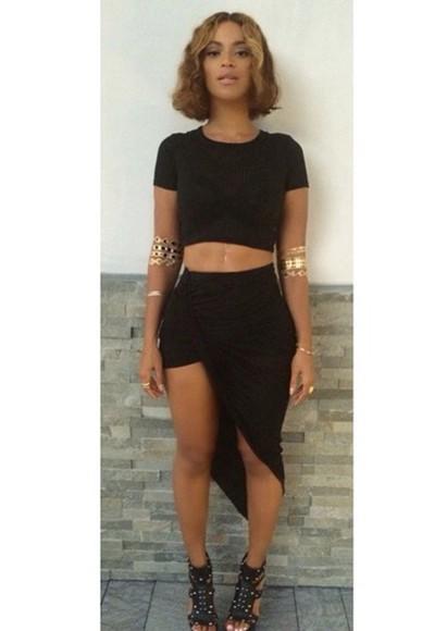 skirt beyoncé t-shirt blackskirtwithsplit blackskirt blacktshirt blackcroptop bellyshirt bangles, gold, armbands, armband, armband bangles gold indie