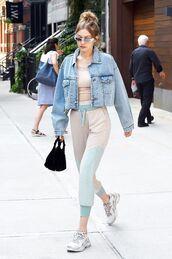 jacket,top,pants,denim,denim jacket,cropped jacket,shoes,sneakers,sunglasses
