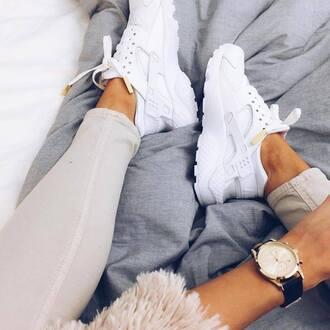 shoes white nike fashion clothes celebrity blogger nike shoes sneakers