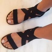 shoes,sandals,summer,black,flat sandals,black sandals