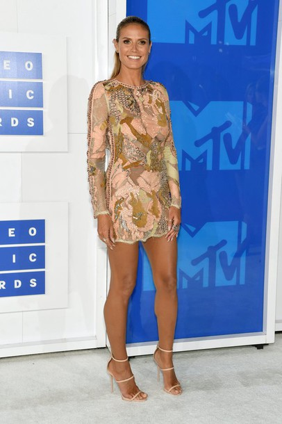 dress heidi klum model off-duty sandals mini dress vma mtv shoes model celebrity lace dress nude dress long sleeves long sleeve dress sandal heels high heel sandals nude sandals giuseppe zanotti party dress