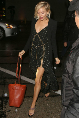 dress sienna miller bucket bag shoes
