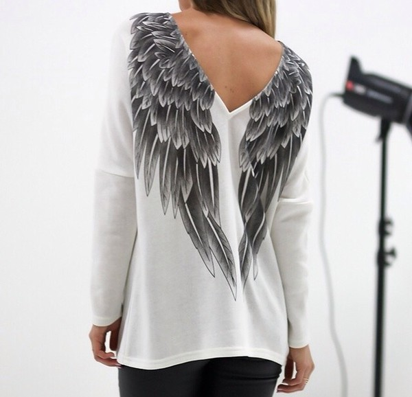 wings black white blouse angel t-shirt girl shirt clothes sweater pullover top white top white sweater grey winter sweater wings shirt white shirt black skirt tumblr outfit tumblr shirt tumblr skirt tumblr tumblr girl tumblr girl feathers feathers grey sweater grey t-shirt jersey tee shirt silver pretty wing black and white