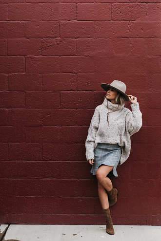 styled avenue blogger skirt sweater shoes hat