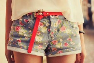 shorts floral flowered shorts short shorts jeans denim shorts flowers red red belt pink green sheer shirt girly girlie cuffed cuffed shorts cuffs high waisted shorts acid wash high waisted