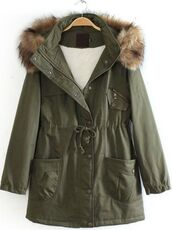 coat,parka,green parka,army green jacket,fur lined hood,detachable hood,drawstring waist,warm coat,winter coat,www.ustrendy.com