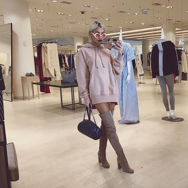 sweater hoodie sweatshirt sweater dress boots pia mia perez instagram sunglasses spring outfits