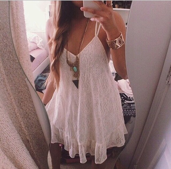 bracelets jewels dress white dress white lace dress lace top boho dress boho hippie hippie jewelry boho jewels necklace silver turquoise turquoise jewelry jonc cute summer dress summer outfits