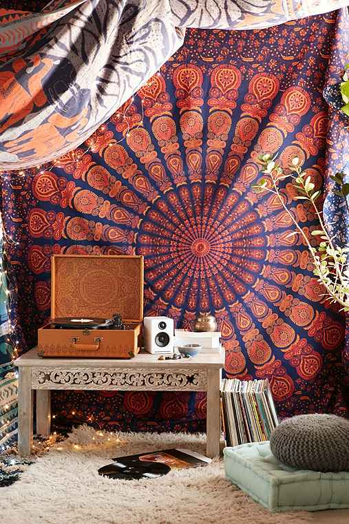 Magical Thinking Odette Medallion Tapestry - Urban Outfitters