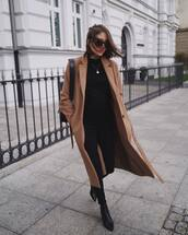 jeans,skinny jeans,black jeans,black blouse,ankle boots,coat,wool coat,shoulder bag,sunglasses