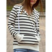 sweater,stripes,casual,long sleeves,trendy,fall outfits,black and white,trendsgal.com