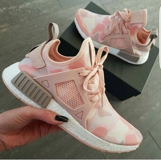 shoes adiddas camouflage pink