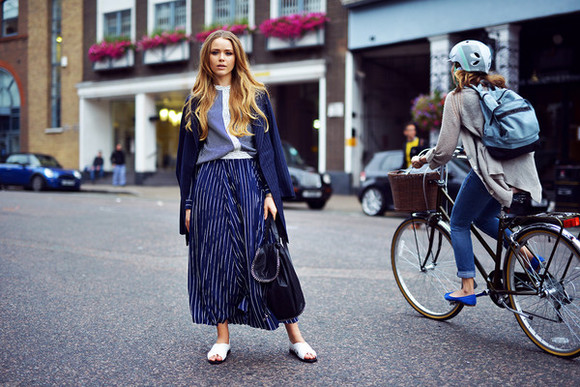 maxi skirt blouse top blogger kayture bag jewels stripes blazer sandals navy