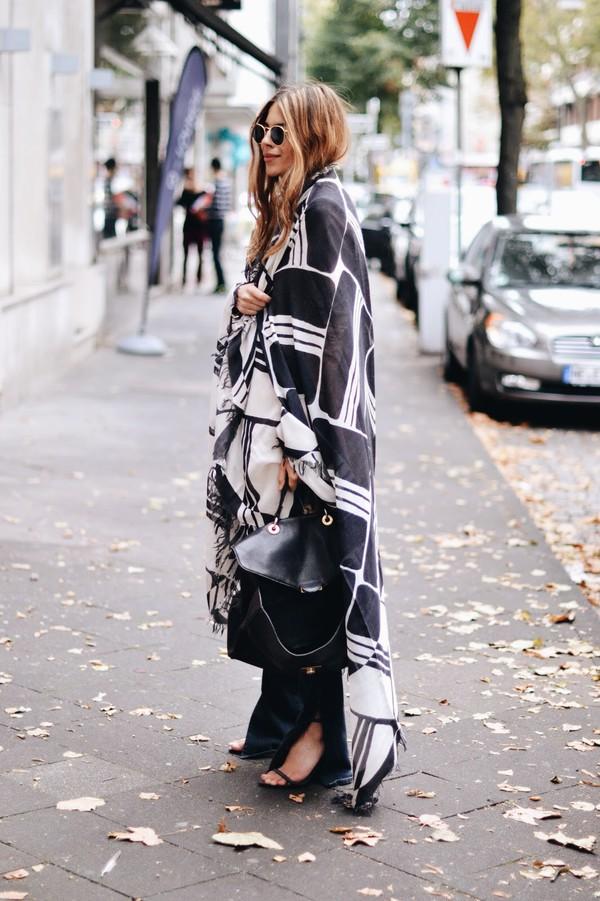 maja wyh blogger scarf bag