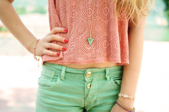 green pink clothes necklace shirt green shorts jewels triangle jewerly t-shirt lovely shorts blouse bracelets pants melon mint pretty