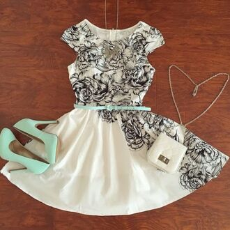 dress perfect combination high heels aqua high heels aquamarine spring dress spring outfits summer dress white summer dress floral dress cute high heels shoes short white dress with blackk roses s and torquoise belt