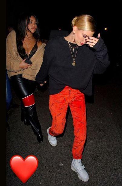 pants hailey baldwin top celebrity model off-duty sweatshirt