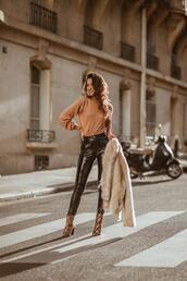 sofya benzakour knidel,la couleur du moment | blog mode,lifestyle,voyages,entre le maroc et paris,blogger,sweater,pants,shoes,ankle boots,black vinyl pants,fur coat,fall outfits