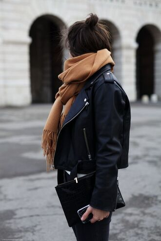 jacket perfecto scarf camel bag streetstyle winter outfits fall outfits black leather jacket all black everything outfit idea tumblr black jacket leather jacket denim jeans black jeans black bag pouch leather pouch