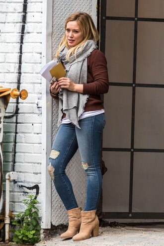 jeans ripped jeans hilary duff fall outfits boots streetstyle