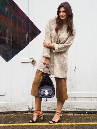 fashion foie gras blogger culottes sweater dress bucket bag sandals oversized sweater shoes sweater jewels bag
