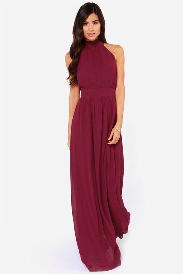 Летнее платье с горлом