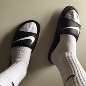 shoes,nike,nike running shoes,style,slide shoes,nike slides,nike shoes,nikes,nike socks,black