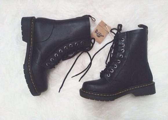 shoes black boots boots black shoes white shoes DrMartens dr martens, black, boots black combat boots obsessed