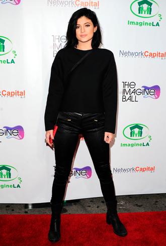 pants black amazing kylie jenner one colour blouse shoes all black everything
