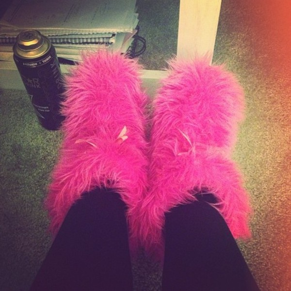 shoes pink fluffy pink fur snooki snooki style winter boots boots furboots celebrity style hot pink neon pink stripper