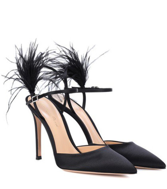 Gianvito Rossi pumps satin black shoes