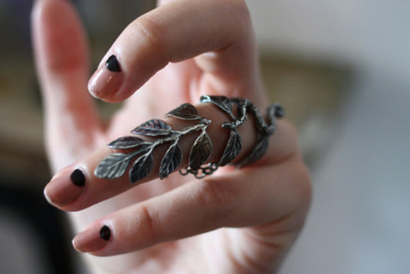 ring frantic jewelry jewels hand metal nail nail polish leaves silver finger tree black leaf ring beautiful
