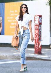 top,crop tops,shirt,sandals,jeans,denim,victoria justice,streetstyle,shoes