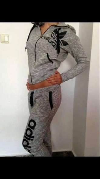 pants bag ou je peu trouver sa sweater jacket grey adidas track suit adidas grey sweater black grey sweatpants adidas wings adidas adidas tracksuit bottom