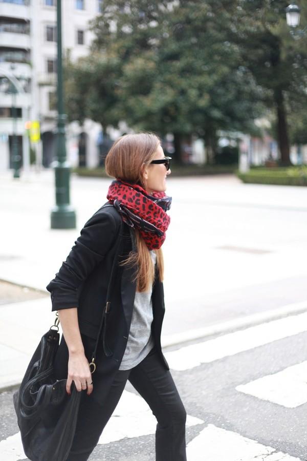 b a r t a b a c pants jacket t-shirt jewels shoes bag sunglasses scarf