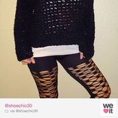 ripped,black leggings,black sweater