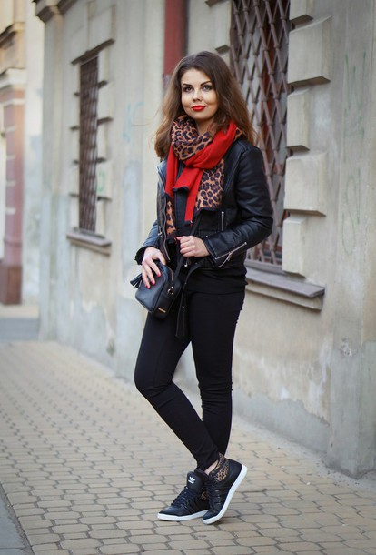 a piece of anna blogger leopard print scarf adidas shoes jacket scarf shoes bag