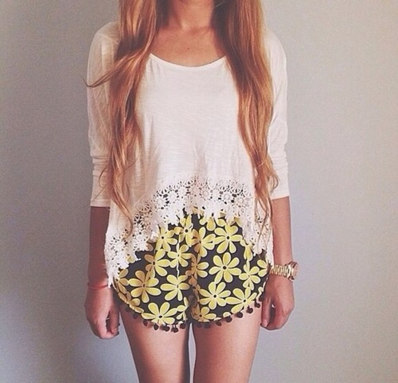 shorts flowered shorts sweater oversized sweater i really want this