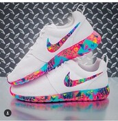 shoes,roshe runs,multi colour swoosh,colorful,nike roshe run,nike,roshes,multicolor,white sneakers,low top sneakers,nike shoes,pinterest,white nikes,nike sneakers,sneakers