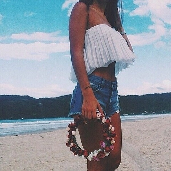 shorts flower crown white crop tops beach top white white top festival cute floaty top hat hair accessory blouse hair accessory
