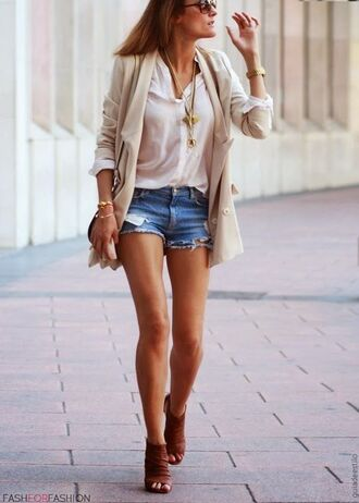 shorts white shirt pastel pink blazer distressed denim shorts brown boots blogger sunglasses gold necklace