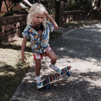 blouse boy skateboard shoes short blond long hair